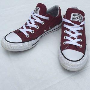 Converse chucks women's size 6 maroon